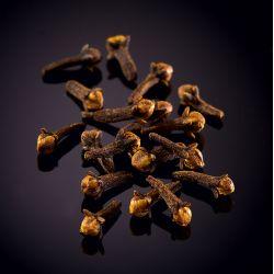 Wild black Voatsiperifery pepper, Madagascar