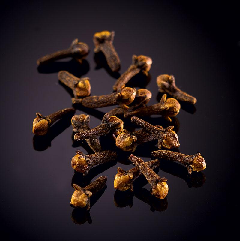 Wild black Voatsiperifery peppercorns from Madagascar - Le Comptoir