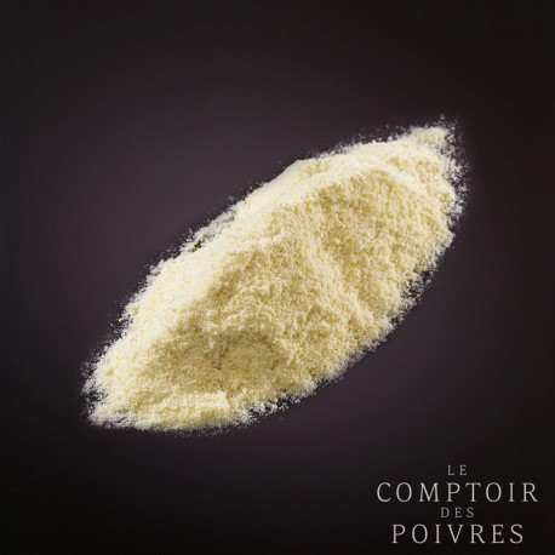 Whole freeze-dried powdered yuzu