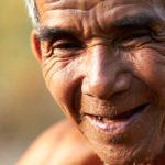 Cueilleur de poivre au Cambodge